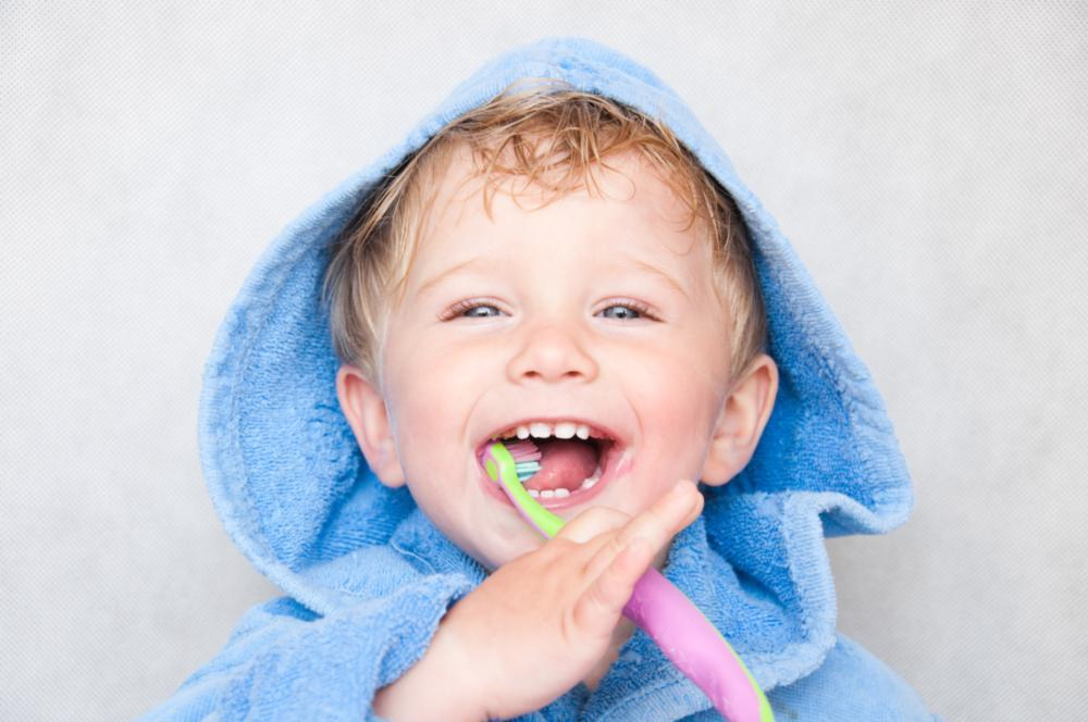 Pediatric dental patient brushing his teeth near Van Nuys CA